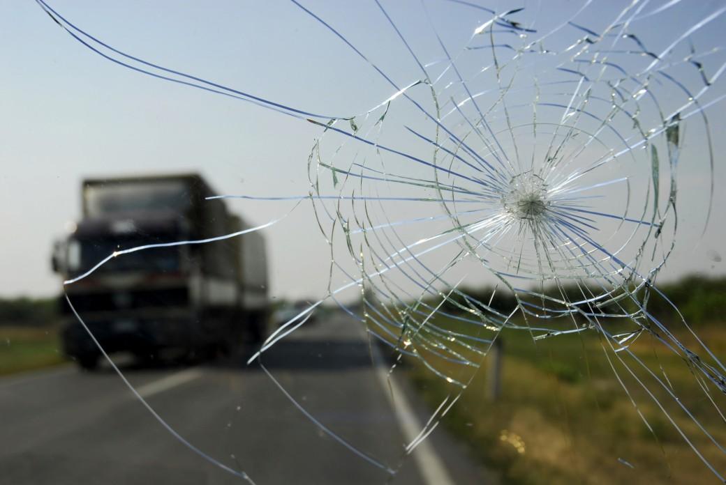crack in windshield growing