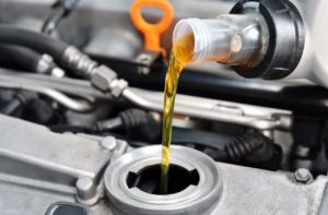 5 Ways to Get a Free Oil Change & Which to Avoid